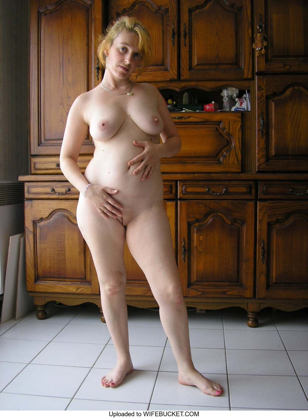 Sexy women nude in wi