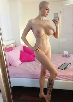 Women who are hairless nude
