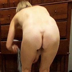Wives bending over nude