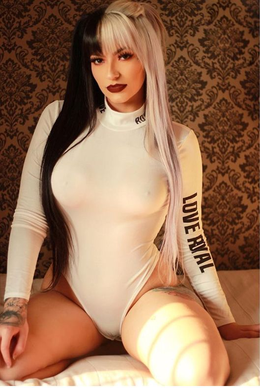 Nude dyed hair women