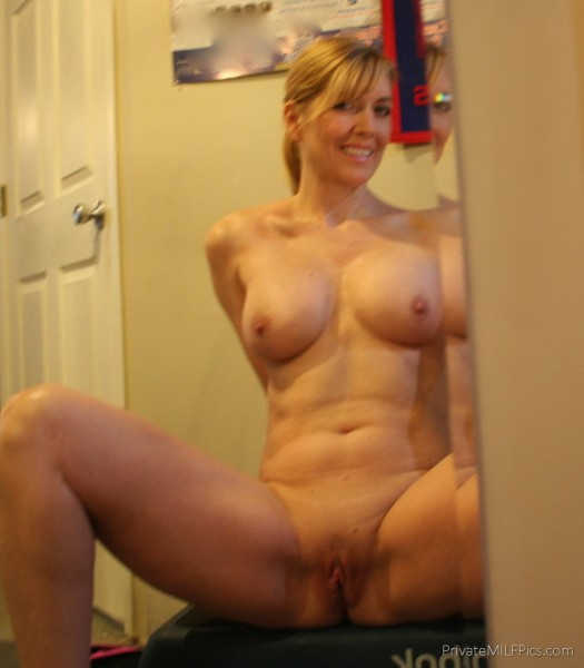Nude housewife self picture